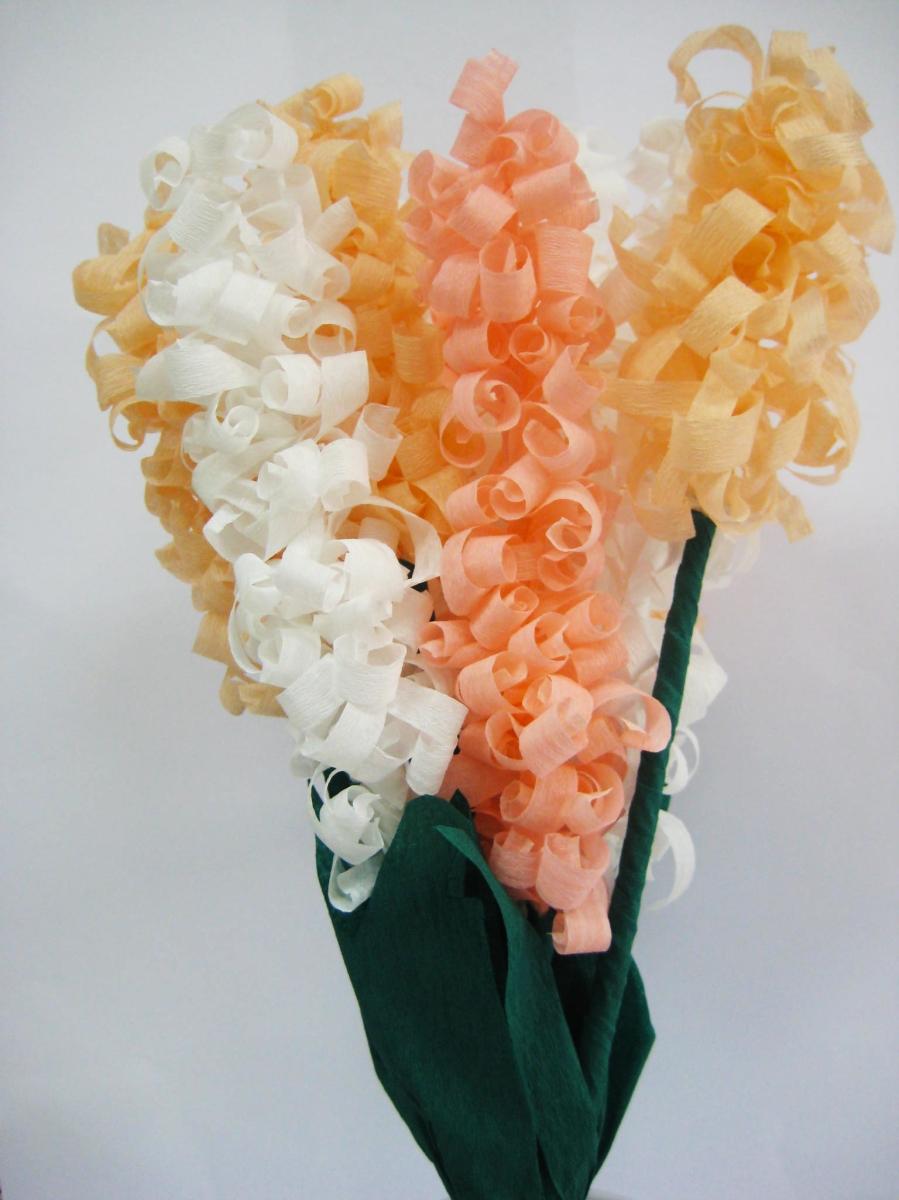 Tavaszi virágcsokor krepp-papírból